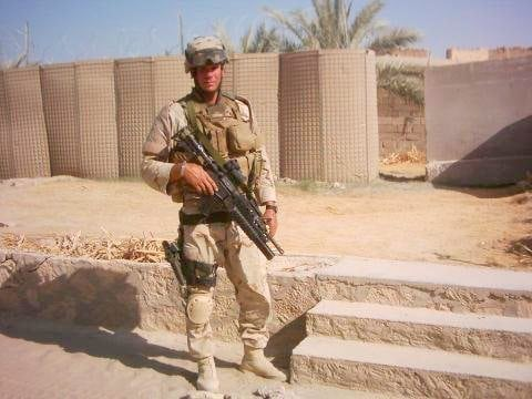 SSG Michael Burns in Iraq on Duty